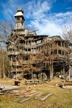 Bigest tree house in the World Crossville,Tennessee