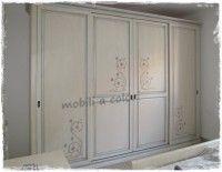 Decorazione Ante Armadio : Questo armadio provenzale dallaspetto soft e rarefatto allesterno