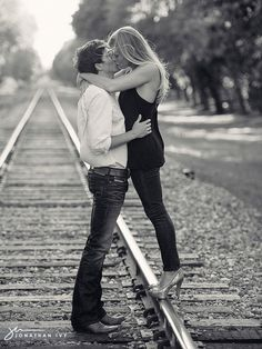 there's just something so fabulous about train tracks for engagement sessions!