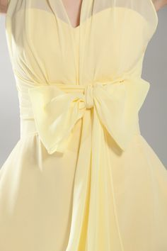 chasingrainbowsforever: A-Line/Princess Halter Chiffon Dress with Bow☀Yellow☀ ღ‿ ❀♥♥ 。\|/ 。☆ ♥♥ Baby Yellow, Pastel Yellow, Shades Of Yellow, Lemon Yellow, Mellow Yellow, Bright Yellow, Cute Wedding Dress, Fall Wedding Dresses, Bts Mode