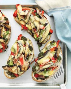 Portobello Mushrooms, Broccoli, & Red-Pepper Melts Recipe _ The broiler works double time for these knife-&-fork sandwiches, caramelizing the veggies, then melting the Gouda Cheese! Recettes Martha Stewart, Martha Stewart Recipes, Vegetarian Lunch, Vegetarian Recipes, Healthy Recipes, Healthy Food, Dessert Healthy, Going Vegetarian, Vegetarian Dinners