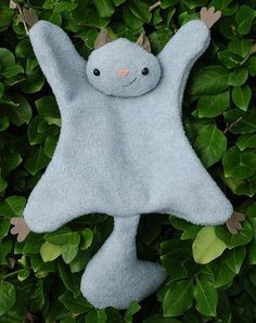 What a cute, snuggly little guy! What a cute easy sewing pattern for kids!