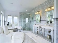 this is such a glorious bathroom.