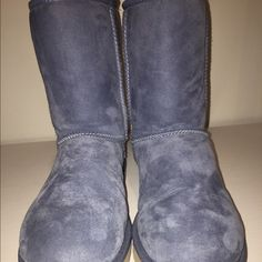 dolphin blue uggs these uggs are authentic! they are dolphin blue short uggs size 9! and have very few signs of wear! there are so stains and all the fur is still soft as shown in picture! UGG Shoes