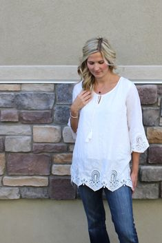 I love this stitch fix top! I might pin it on my own board, but I think this would be great on mom! A little boho, long and loose, easy to fit in the arms...I think it's perfect for her. Beautiful details and NO horizontal stripes.
