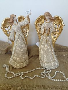 Clay Dolls, Art Dolls, Statues, Holy Mary, Ceramics Projects, Angels In Heaven, Paper Clay, Religious Art, Decoupage