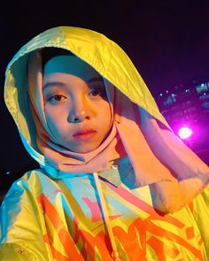 Creative Instagram Stories, Instagram Story, Korean Best Friends, Hand Photography, Cartoon Jokes, Bts And Exo, Girl Wallpaper, Me As A Girlfriend, Aesthetic Wallpapers