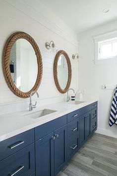 Bathroom Niche: Learn How To Choose And See Ideas With Photos - Home Fashion Trend Beach House Bathroom, Bathroom Niche, Beach Bathrooms, Nautical Bathrooms, Beach House Decor, Beach Houses, Bathroom Ideas, Modern Bathrooms, Small Bathrooms