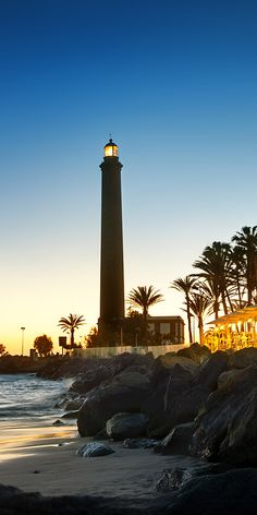 With just under 60km of beaches along 236km of coastline visitors to Gran Canaria looking for a good beach will be spoilt for choice! To the south of the island lies Maspalomas, loved for its golden sands it is also known for its old Lighthouse. Quieter family friendly beaches include San Agustin and the beach at Amadores.