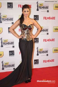 Hot n Sexy Indian Actresses in Bollywood, Tollywood, Kollywood. Strapless Dress Formal, Prom Dresses, Formal Dresses, Indian Dresses, Indian Outfits, Shruti Hassan, Parineeti Chopra, Celebs, Celebrities
