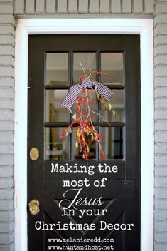 Santa Claus, reindeer, angels, elves, bells, bows, ribbons, and tulle. The season overflows with a million themes to decorate your home for Christmas. But what if this year you really want to hone in on the true meaning of Christmas? Find out how to make the most of Jesus in your Christmas decorations this year.