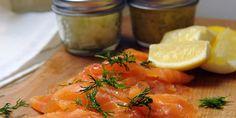 Gravlax ( Home Cured Salmon - Very Good ) Cooking Channel - Chuckmas - Chuck Hughes Healthy Salmon Recipes, Healthy Breakfast Recipes, Seafood Recipes, Breakfast Ideas, Gourmet Recipes, Yummy Recipes, Vegetarian Recipes, Chuck Hughes, Gravlax Recipe