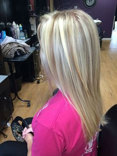How to get blonde hair with lowlights - love hair & beauty Love Hair, Great Hair, Gorgeous Hair, Beautiful, Different Blond, Low Lights Hair, Blonde Haircuts, Hair Color And Cut, Platinum Blonde