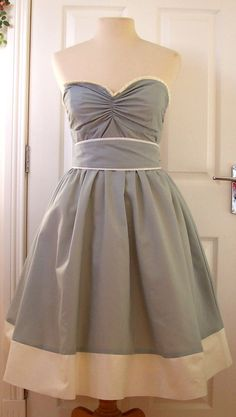 What a dress! Free sewing patern. Would look great in a print! @ DIY Home Cuteness