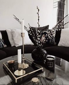 Classy Living Room, Living Room Decor Cozy, Home Living Room, Living Room Designs, Cozy Living, Living Room Inspiration, Home Decor Inspiration, Decoration Hall, Aesthetic Room Decor
