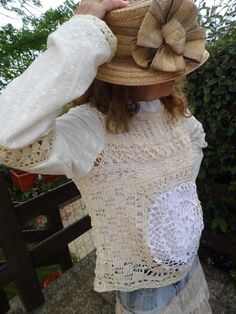 Haut dentelle à manches longues porté sur un chemisier en batiste blanc    Chemises, blouses f183651beb5