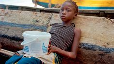 Nicht Resort, sondern Dorfleben: das Tourismusprojekt «Tribewanted» in Sierra Leone (Foto: Flurina Rothenberger / Redkation: Barbara Achermann)
