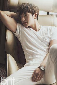 he's sooooo bloody hot ❤️ Ji Chang Wook ❤️