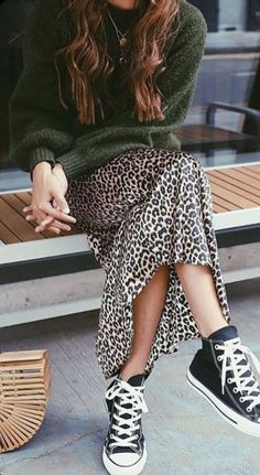 new Ideas fashion street style casual shoes hats Boho Outfits, Casual Outfits, Fashion Outfits, Fall Outfits, Casual Jeans, Skirt Fashion, Casual Shoes, Casual Sweaters, Flannel Outfits