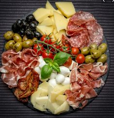 out on Keto Guide (Sit-Down + Fast Food) Keto friendly Italian food guide. Full Guide to eating out at restaurants and fast food! Full Guide to eating out at restaurants and fast food! Charcuterie Recipes, Charcuterie And Cheese Board, Charcuterie Platter, Antipasto Platter, Cheese Boards, Meat Cheese Platters, Tapas Platter, Meat Platter, Cheese Plates