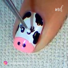 ANIMAL NAIL ART Add beautiful creatures to your life with this animal nail art! art diy step by step Nail Art Designs Videos, Nail Design Video, Nail Art Videos, Simple Nail Art Designs, Cute Nail Designs, Easy Nail Polish Designs, Animal Nail Designs, Nail Art Hacks, Gel Nail Art