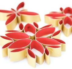 Stylish christmas decorations from toilet rolls