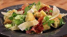 Potetpasta med kremet hjertesalat Bastilla, Pasta, Parmesan, Potato Salad, Spaghetti, Food And Drink, Potatoes, Lunch, Meals