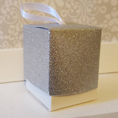 Silver Glitter Favour Boxes! #glitter #glitterwedding #wedding #weddings #weddingdecor #weddingday #weddingdecoration #weddingdecorations #favourideas #favours #weddingfavours #weddingfavourideas #weddingtable #silverglitter #silverglittertheme #silvertheme #partyfavours #partydecor #partydecorations #partydecoration Glitter Wedding, Silver Glitter, Wedding Favours, Party Favors, Wedding Table, Wedding Day, Instagram Party, Favour Boxes, Wedding Decorations