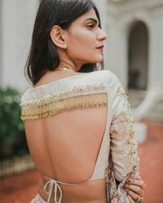 62 Latest Lehenga Blouse Designs To Try in F you're wondering about the latest lehenga blouse designs, you've reached the right spot. A designer lehenga blouse can make your look fresh from fashion couture and stunning. To truly explore you… Blouse Back Neck Designs, Fancy Blouse Designs, Bridal Blouse Designs, Latest Saree Blouse Designs, Indian Blouse Designs, Traditional Blouse Designs, Choli Designs, Choli Blouse Design, Sari Bluse