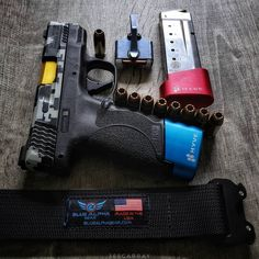 "Concealed Carry Lifestyle on Instagram: ""Packs light but the load stays heavy. #45acp🤷🏾‍♂️ Need my @bluealphagear 😌 @theneomag titanium copper👌🏾 @apextactical trigger🔥…"""