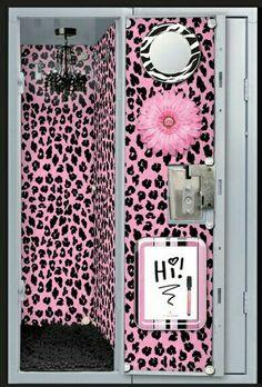 Cute Locker Accessories For Girls. I think that screams sixth grade! Comment below 👇👇👇 Girls Locker Ideas, Cute Locker Ideas, Kids Locker, Locker Stuff, Locker Accessories, Girls Accessories, School Accessories, Loker Ideas, School Locker Decorations