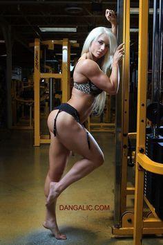 Mehr sexy geht nicht :) #Fitnessmodel mit unglaublichem #Body! Wenn Du schnell abnehmen willst, dann empfehle ich Dir #Ephedrin HCL, den klassischen #Fatburner mit enormer Power! Hier bestellen: http://shredded-n.fit/E-HCL