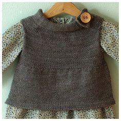 Neighborly Vest by Jennifer Casa (free Ravelry pattern, fits child 3-5/6 years), http://jchandmade.typepad.com/jc_handmade/2009/09/being-neighborly.html