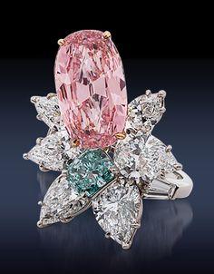 Pink Diamond Ring, via Sultanesque