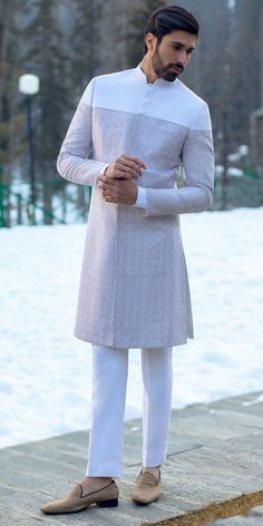 indowestern sherwani в 2019 г. indian men fashion, men dress и mens fas Nigerian Men Fashion, Indian Men Fashion, Mens Fashion Wear, Suit Fashion, Kurta Pajama Men, Kurta Men, Wedding Dresses Men Indian, Wedding Dress Men, Kurta Designs
