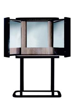 The Narcissist. Toeletta cinese con cristalli Swarovski, The Narcissist, di Neri & Hu, BD Barcelona Design, cm 117x34x150h, prezzo 16.259 ...