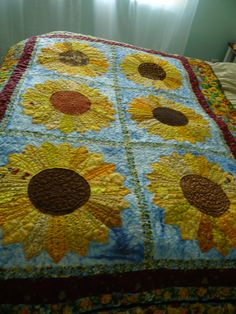 dresden  sunflower quilt - love this