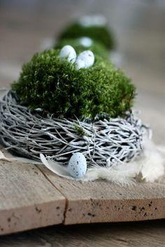mit moos dekorieren fruelingsdeko naturmaterialien moos ei gestalten mit moos