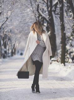 huge selection of 87170 e38d5 With knitted dress and black boots - Styleoholic Vinterstil, Resor, Trender  2018, Mode