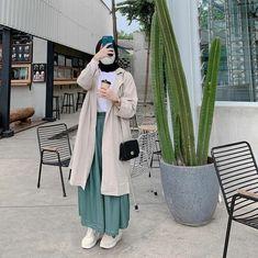 Modern Hijab Fashion, Modesty Fashion, Hijab Fashion Inspiration, Muslim Fashion, Fashion Outfits, Ootd Fashion, Hijab Outfit, Dress, Clothes