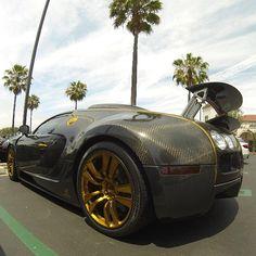 Slick Carbon Fiber Bugatti Veyron
