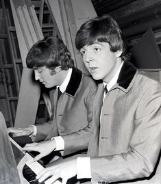 John Lennon and Paul McCartney (The greatest song writing duo ever. Twiggy, Mod Hair, John Lennon Paul Mccartney, A Hard Days Night, Brit, Night Suit, Playing Piano, The Fab Four, Ringo Starr
