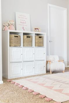 The IKEA Kallax line Storage furniture is an essential part of any home. Fashionable and delightfully simple the corner Kallax from Ikea , for example. Ikea Cubbies, Ikea Kallax Shelf, Ikea Kallax Hack, Playroom Storage, Ikea Kallax Nursery, Nursery Dresser, Girl Nursery, Ikea Regal, Ikea Kallax Regal