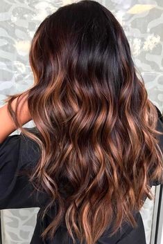 Brown ombre hair is all the rage this season. To give you some ideas which shades to combine, we have a collection of photos. #Ombrehair
