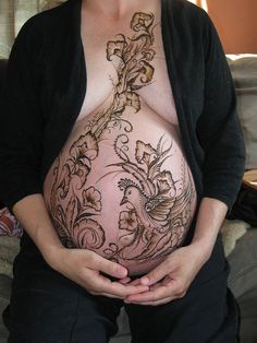 henna belly blessing. Not generally a fan of belly henna, but this design is beautiful