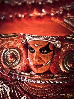 Theyyam by Suneeth Nambiar Kerala Mural Painting, Silk Painting, Mother India, Bollywood, Kerala Tourism, Indian Photography, Portrait Photography, Kerala India, Mural Art