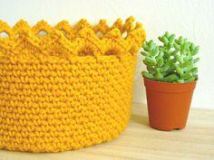Crochet Crown Edge Basket Crochet Basket Pattern por MissECraft