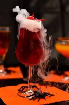 Pin for Later: spooky halloween food. Spooky Halloween Drinks - these drinks are perfect for your Halloween party. Seen here is the Bloody Vampire featuring dry ice for added spooky-ness. Spooky Halloween, Dry Ice Halloween, Halloween Bebes, Halloween Food For Party, Halloween Treats, Happy Halloween, Vampire Halloween Party, Vampire Party, Spooky Spooky