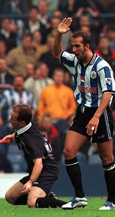 Paolo DiCanio famously bundles referee Paul Alcock to the ground, who falls down theatrically. The Italian received an 11 game ban for his antics. History Of Soccer, Sheffield Wednesday Football, Everton Fc, Vintage Football, Great Team, One Team, Falling Down