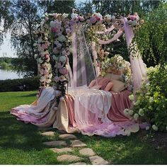 andantegrazioso: For a perfect beauty sleep Aesthetic Room Decor, Pink Aesthetic, Dreams Beds, Princess Aesthetic, Love Is In The Air, New Room, Aesthetic Pictures, Room Inspiration, Beautiful Places